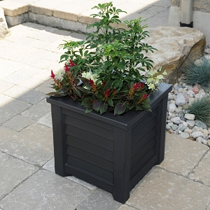 Lakeland Patio Planter 16