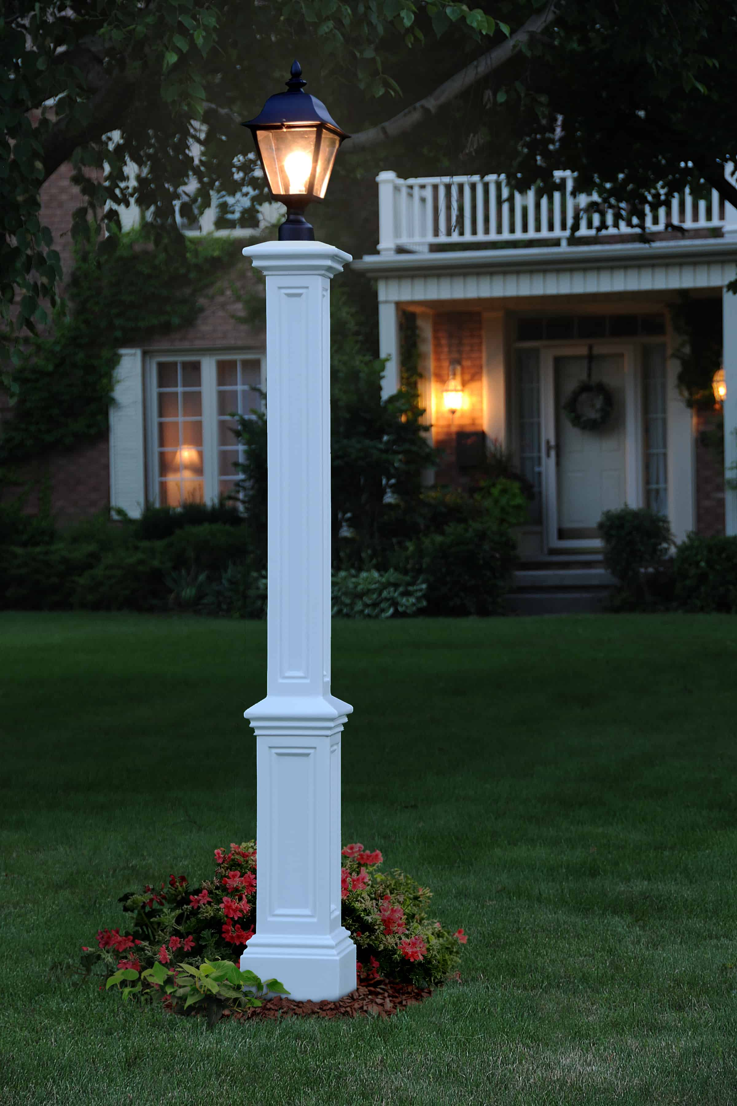 Signature Lamp Post With Steel Ground Mount Usa Exterior