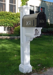 Charleston Plus Mailbox Post