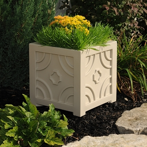 Savannah Patio Planter 16