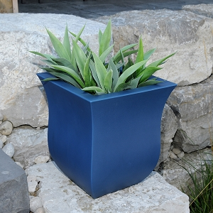 Valencia Patio Planter 16
