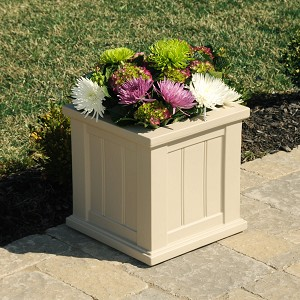 Cape Cod Patio Planter 14